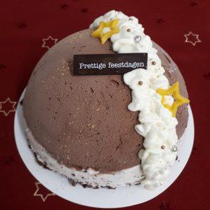 cec9f609931 Naast het ijs in bakken wat u kunt bestellen, is het ook mogelijk om  heerlijke ambachtelijke ijstaarten te bestellen. Leuk voor kerst, pasen of  met een ...